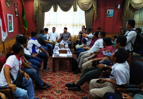 Serikat Pekerja Temui Ketua DPRD Kota Batam Terkait UMK dan UMS